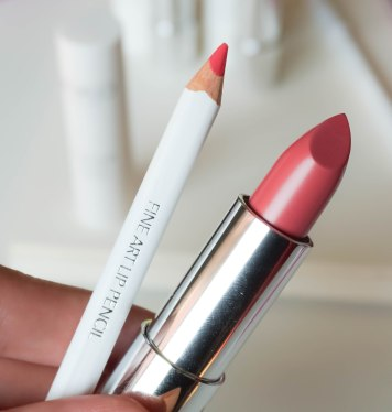 Color Click lipstick 05, Fine Art lip pencil 05