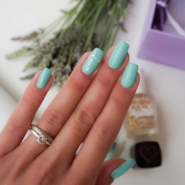 Tanya Burr nail polish Little Duck and Sally Hansen top coat Spark and Pepper