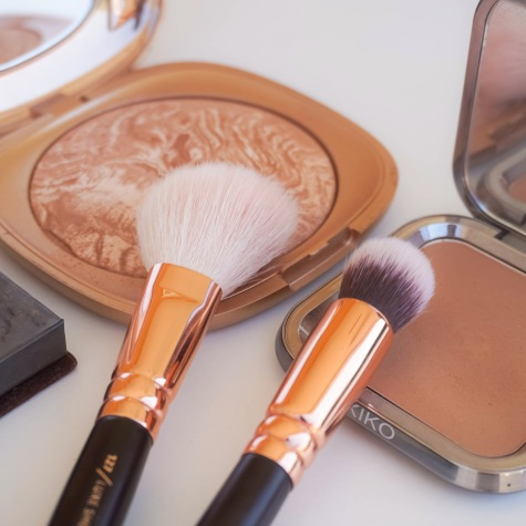 I picked two KIKO Milano bronzers which gave me perfect contour and cheek colour on my face. I used the best contour brush I've ever tried, ZOEVA Face Shape 110 and for blush I used Luxe Sheer Cheek brush 127