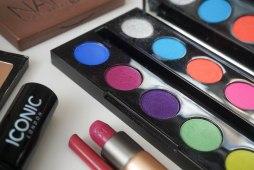 Urban Decay Electric palette, KIKO Milano Velvet passion matte lipstick 314 and Evelasting Colour lip liner 413