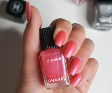 Bright poppy pink with gloss finish