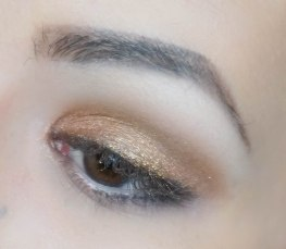 Apply glittery peachy eyeshadow on your crease (Sigma E56, Chopper) and on top apply loose glitter with your finger, tapping it on. Make sure it's not dense. Then come back with fluffy pointy brush and darker brown shade (Zoeva 231, Buck) and apply it right on your cut crease and blend it softly upwards.