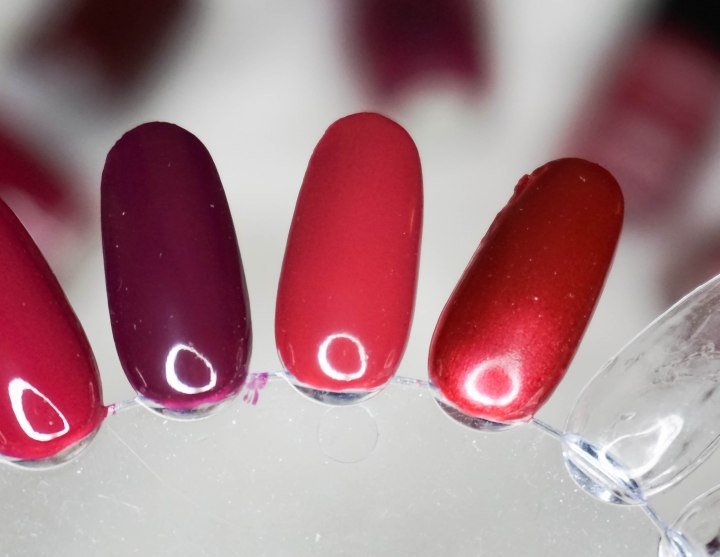 OPI In The Cable Car-Pool Lane, Chanel Le Vernis 609 Coup de Coeur, Chanel Le Vernis 595 Rouge Moré