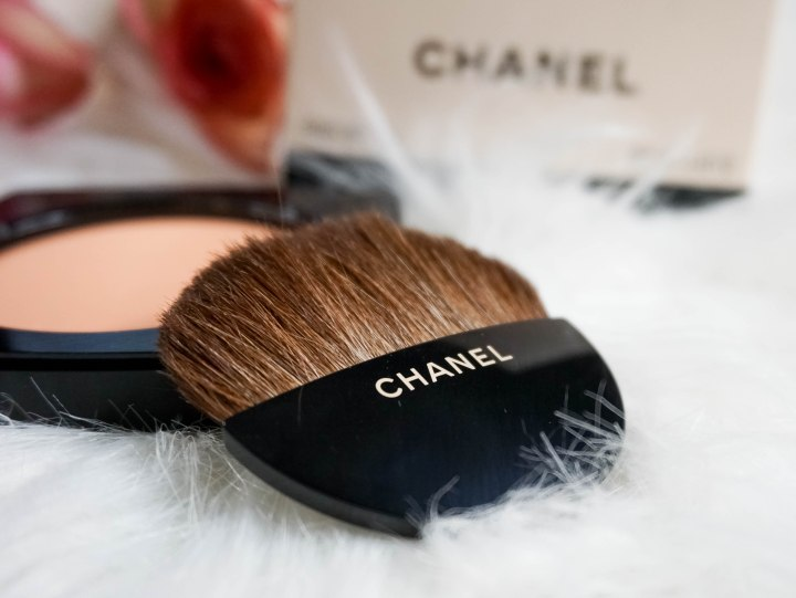 CHANEL- LES BEIGES HEALTHY GLOW SHEER POWDER